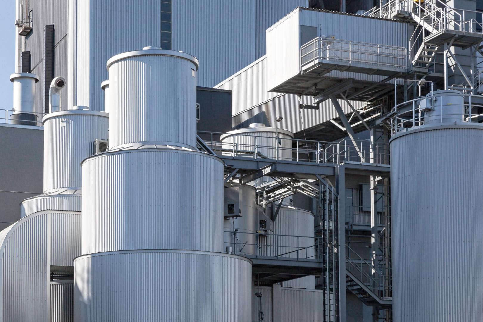 Lahti Energian kaasuvoimalaitos ja siilot