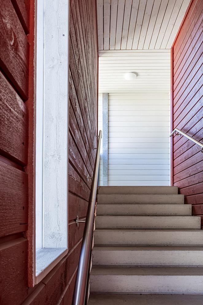 As Oy Oulun Ritahongan punaisen luhtitalon portaikkoa